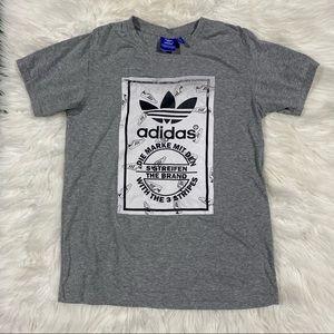 Adidas Die Marke Mit Den 3 Streifen Shirt